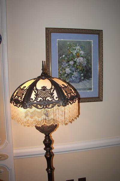 disneyland dream suite 3 master bedroom 2 lighting (2)