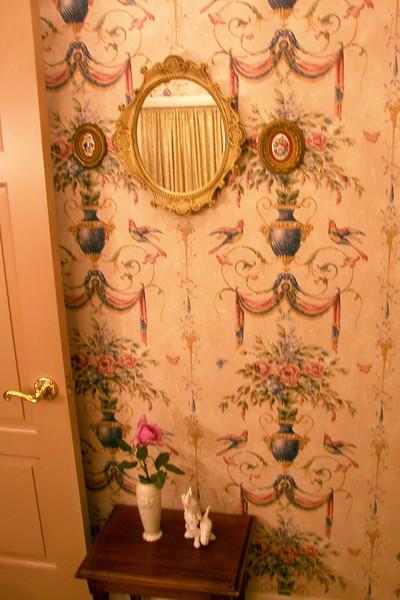 disneyland dream suite 3 master bedroom 5 powder room (8)
