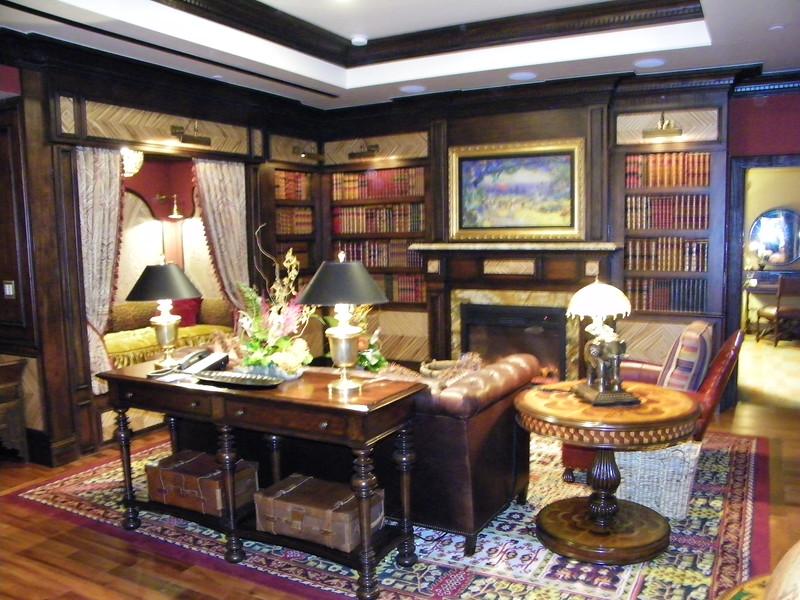 20110602_big_thunder_suite_disneyland_hotel_2_living room (8)