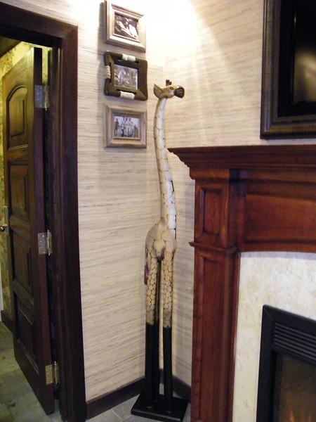 20110602_big_thunder_suite_disneyland_hotel_4 master bedroom (4)