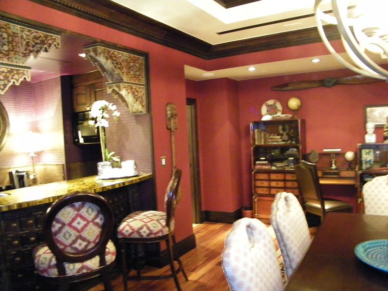 20110602_big_thunder_suite_disneyland_hotel_3_dining room (2)