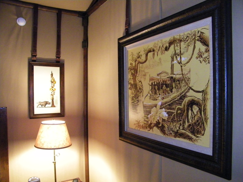 20110602_big_thunder_suite_disneyland_hotel_5 second bedroom (18)