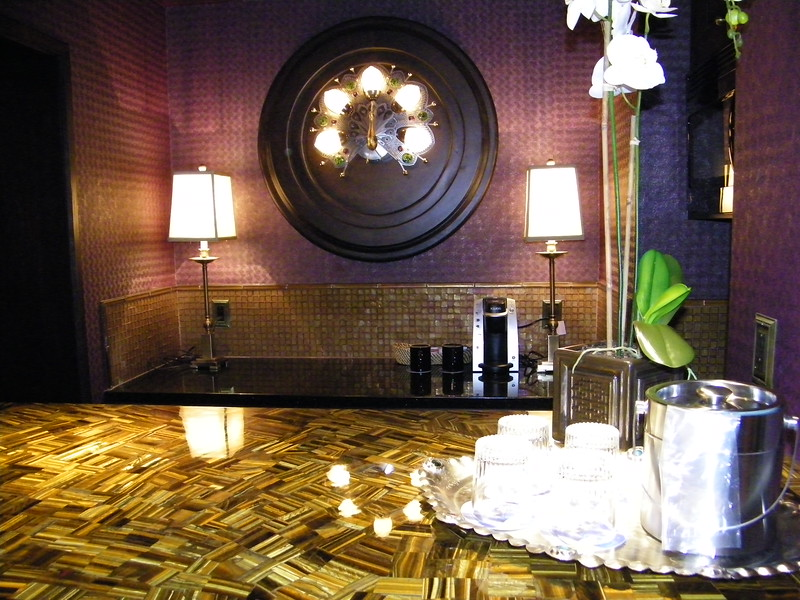 20110602_big_thunder_suite_disneyland_hotel_3_dining room (5)