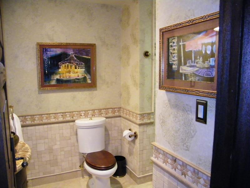 20110602_big_thunder_suite_disneyland_hotel_2_living room (3)