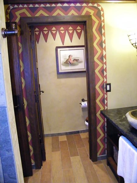 20110602_big_thunder_suite_disneyland_hotel_5 second bedroom (9)