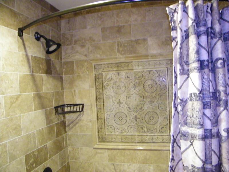 20110602 disneyland hotel pirates of the caribbean suite 3 bathroom 2 (4)