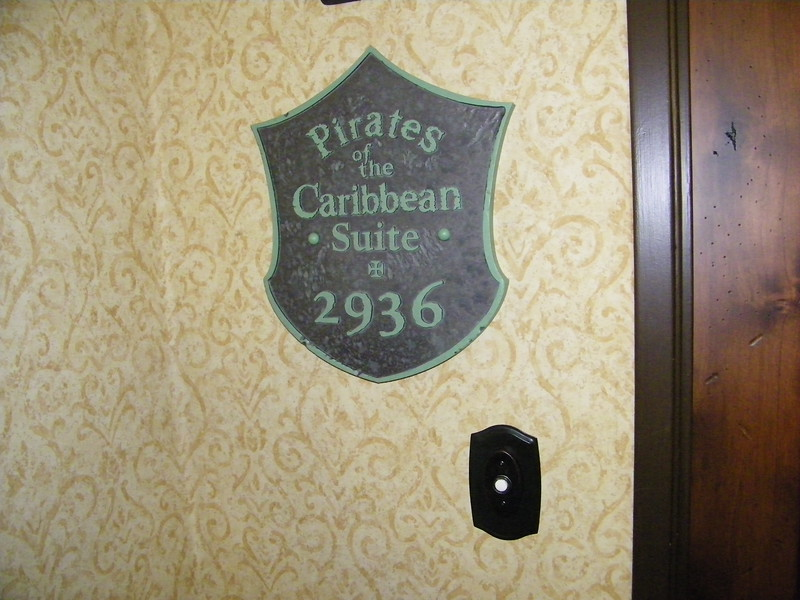 20110602 disneyland hotel pirates of the caribbean suite 0 entrance (2)
