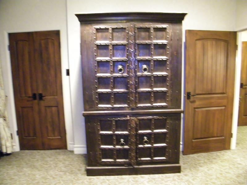 20110602 disneyland hotel pirates of the caribbean suite 3 bedroom 2 (7)