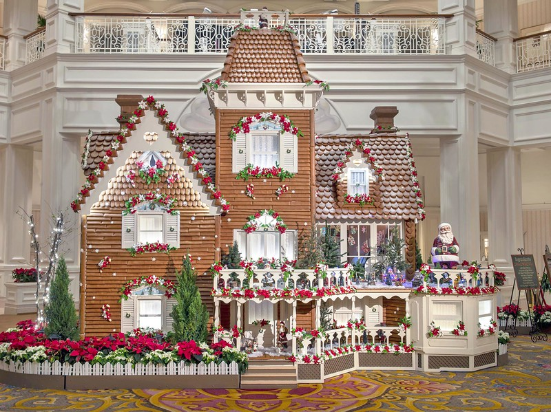 Gingerbread-Display-at-Disney-Grand-Floridian-Resort (1)