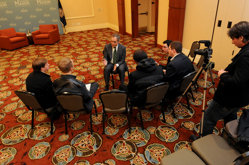 111215334 - Following the announcement of his appointment, Dr. Ángel Cabrera, Mason president-elect, met with members of Mason student media. Photo by Evan Cantwell/Creative Services/George Mason University