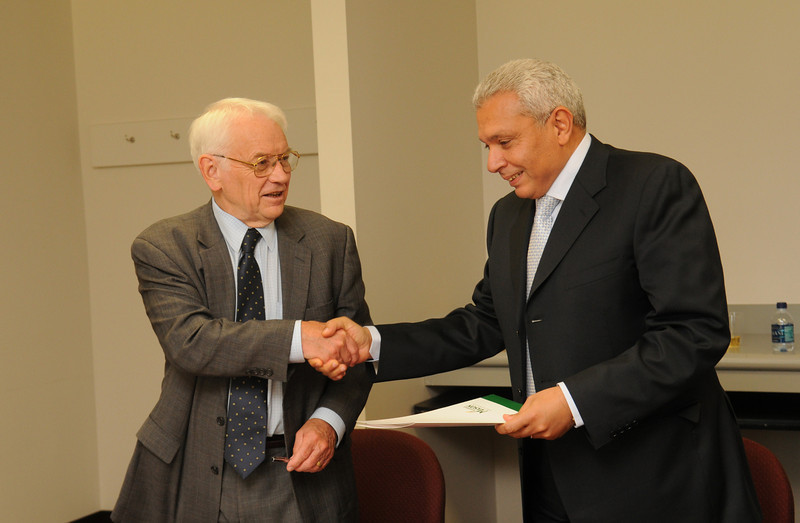 President of Cairo University signs a MOU with George Mason University. MOUs are made with foreign institutions, and the MOU provides a means of forging international relationships. The procedures outlined on this site apply to all MOUs and articulations, but the level of review will depend upon the content of the agreement.