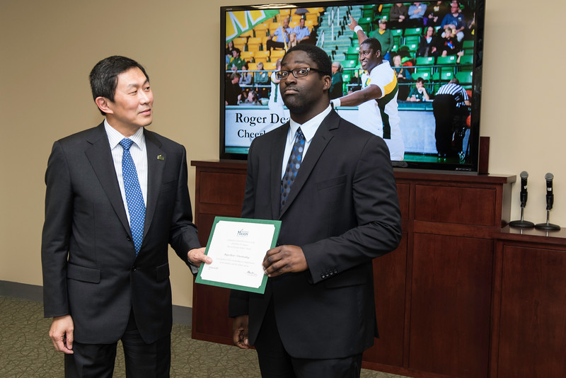 Roger Dean. Dr. David Wu presents the 2016 Peter N. Stearns Provost Scholar Athlete Awards.  Photo by Ron Aira/Creative Services/George Mason University