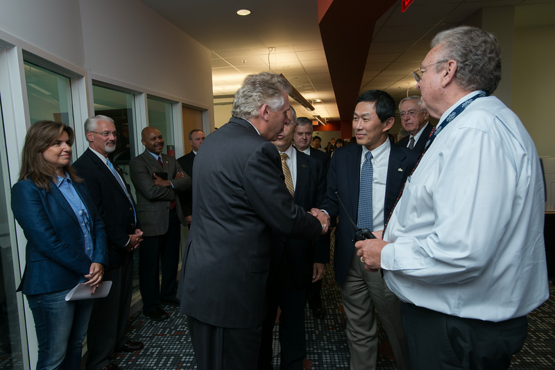 Governor Terry McAuliffe visits the BRL
