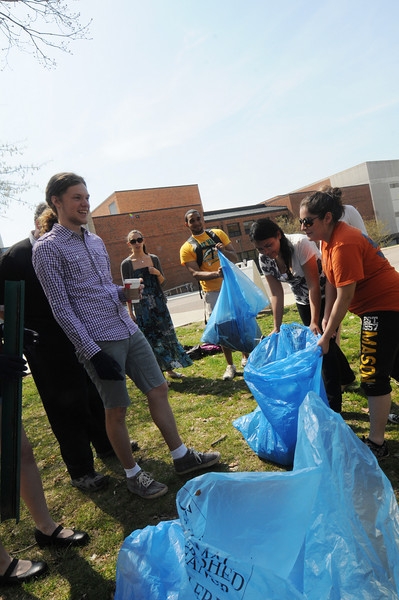 Trash sustainability campus clean-up
