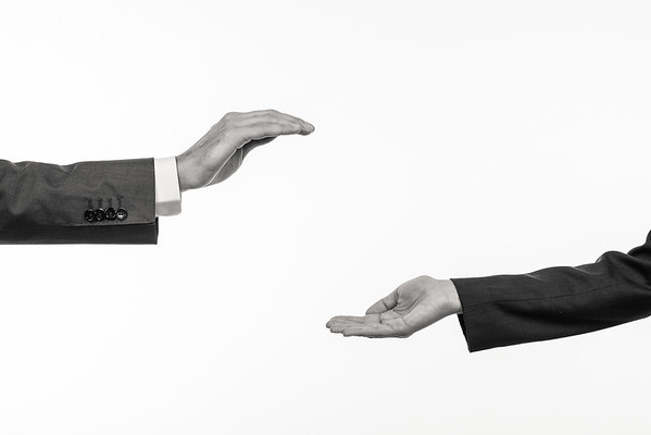 Federkraft-Hands-2