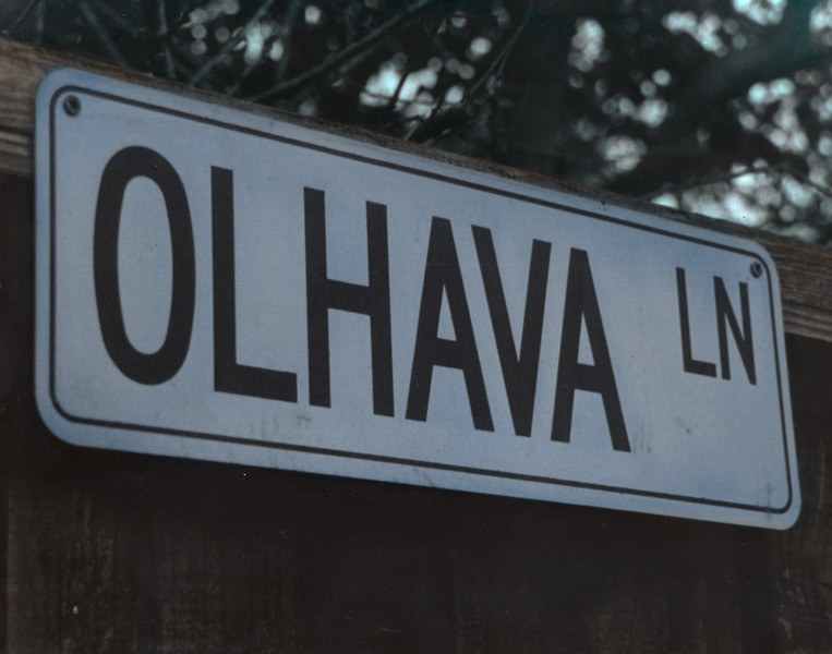Olhava Sign