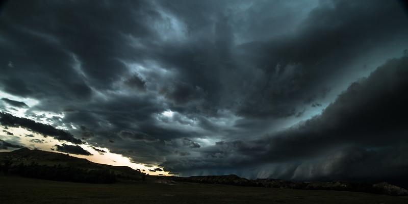 Explosive Clouds