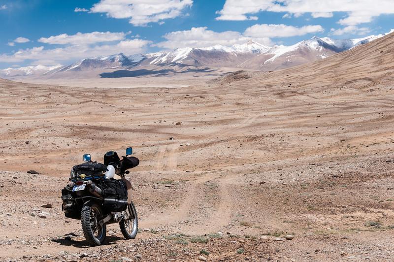 Bulunkul to Alichur via Ak Jar. Tajikistan