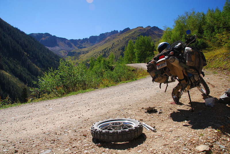 Flat tyre on the Ophir Pass eastern approach on the TAT