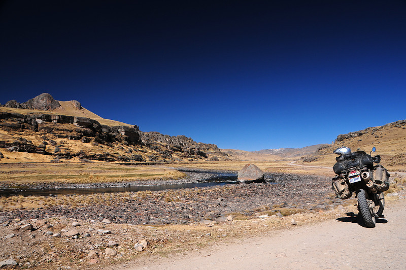 Veille - Cayarani road. Peru