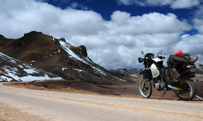High Pass on the Huancavelica - Lircay Road (via AbraChonta). Peru.