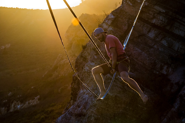 HIGHLINING CALIFORNIA SUNSET