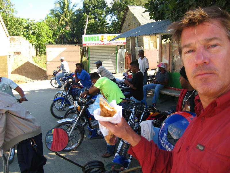 Seeing motoconcho riders parked around street food is frequently a sign of a good place to eat, this time is no exception.