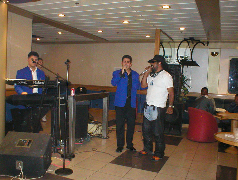 The lounge was kind of low key about the live music until one of the bajabiker dudes started to sing. This guy had passion when he sang and the lounge went wild.