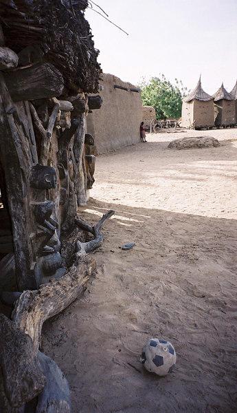 254 - West Africa 13 Mar-10 Apr 2000