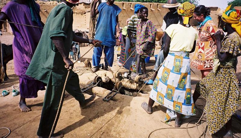 242 - West Africa 13 Mar-10 Apr 2000