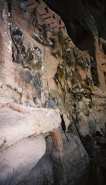 381 - West Africa 13 Mar-10 Apr 2000