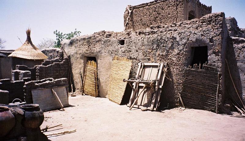 225 - West Africa 13 Mar-10 Apr 2000