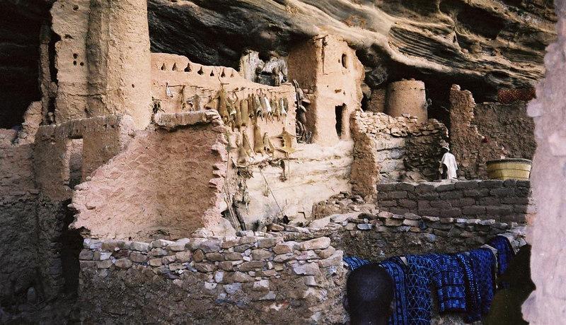 377 - West Africa 13 Mar-10 Apr 2000