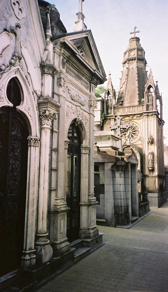 015 - Buenos Aires & Uruguay 22-28 May 2002
