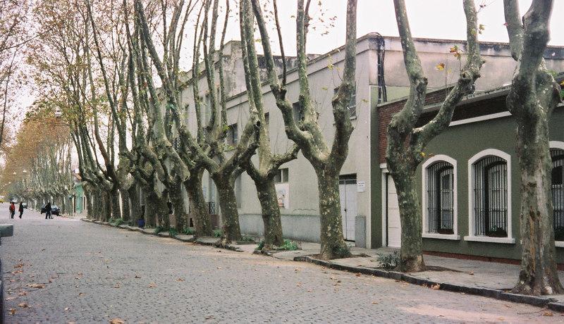 037 - Buenos Aires & Uruguay 22-28 May 2002