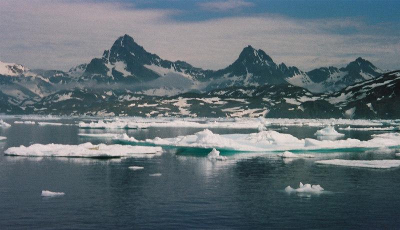 051 - Greenland 10-12 Jun 2002
