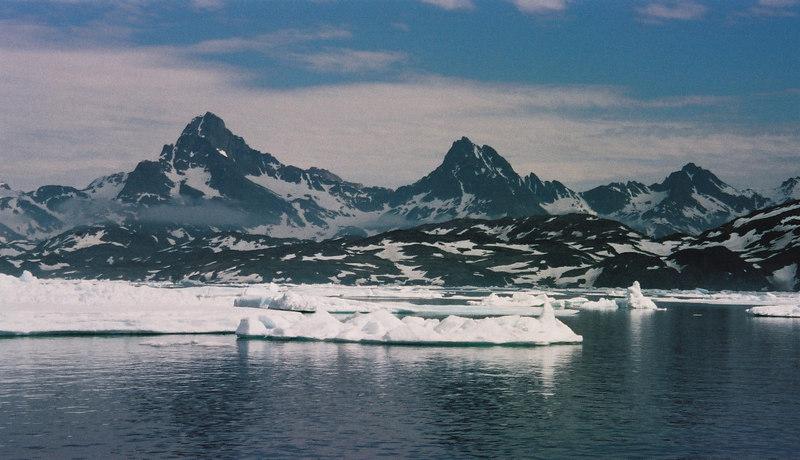 052 - Greenland 10-12 Jun 2002