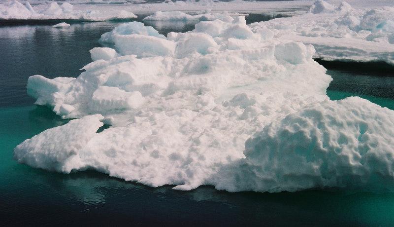 048 - Greenland 10-12 Jun 2002
