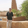 251 - <br /> Day 7 - <br /> Flip simulates the Grande Mosque of Agadez on the roof terrace of L'Air hotel <br /> (Page 17-Image 11)