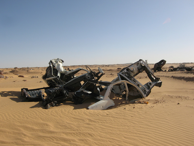 432 - <br /> Day 12 - <br /> The Algerian auto graveyard <br /> (Page 29-Image 12)