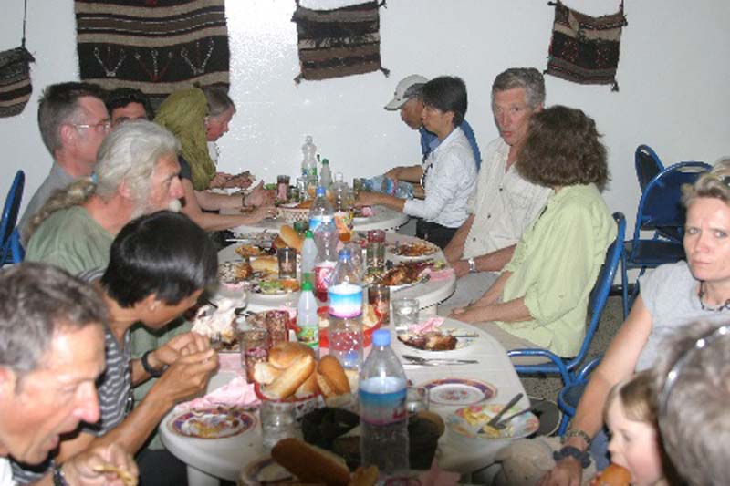 444 - <br /> Day 13 - <br /> Lunch at the Tasselli restaurant in Tamarasset <br /> (Page 30-Image 9)
