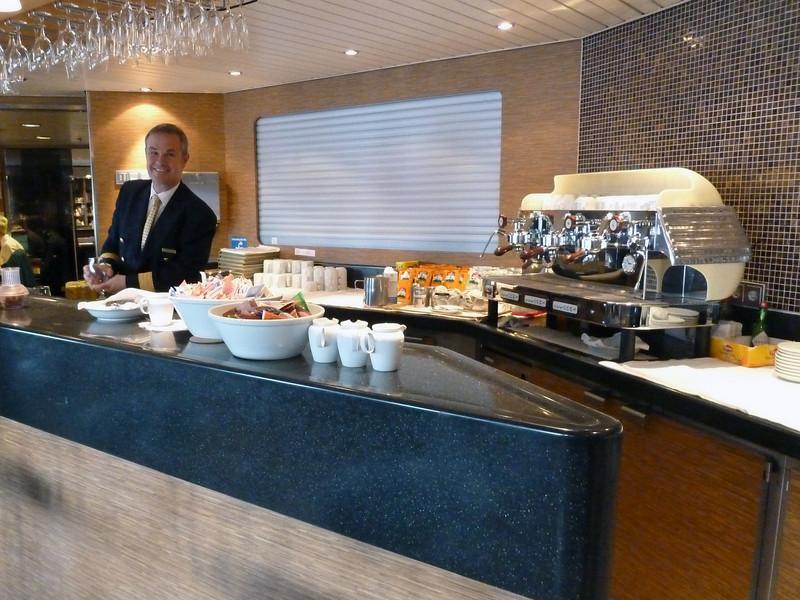 Ship's Bistro Bar - Drinks & Snacks