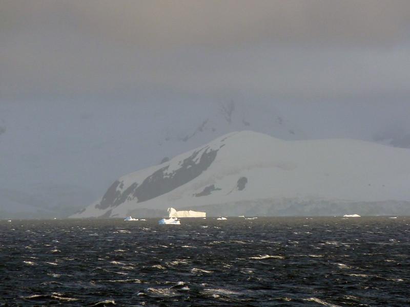 1506 - Gerlache Strait - 2011-02-22 - P1010866
