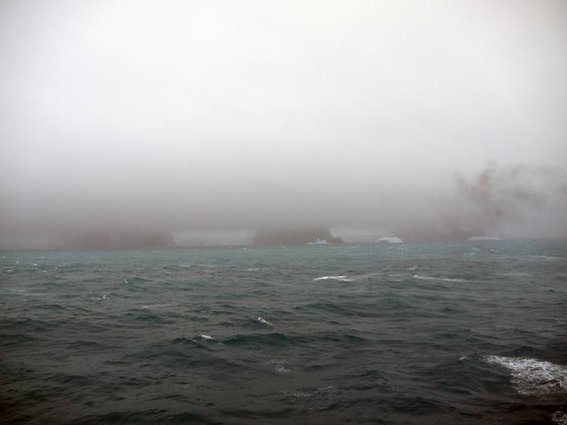 1756 - Elephant Island - 2011-02-24 - P1070555