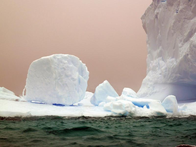 1433 - Penola Strait-Booth Island - 2011-02-22 - P1010759