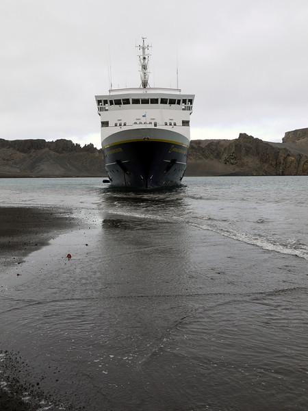 1724 - Deception Island - 2011-02-23 - P1070506