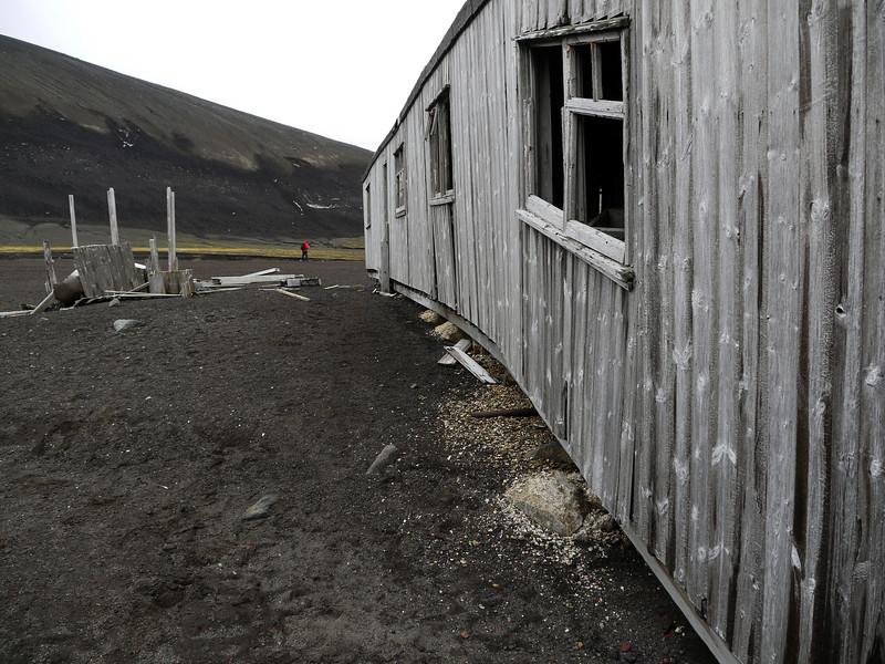 1698 - Deception Island - 2011-02-23 - P1070481