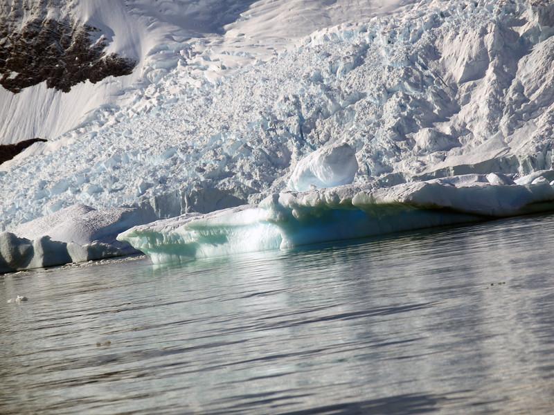 0448 - Neko Harbour - 2011-02-20 - P1050971
