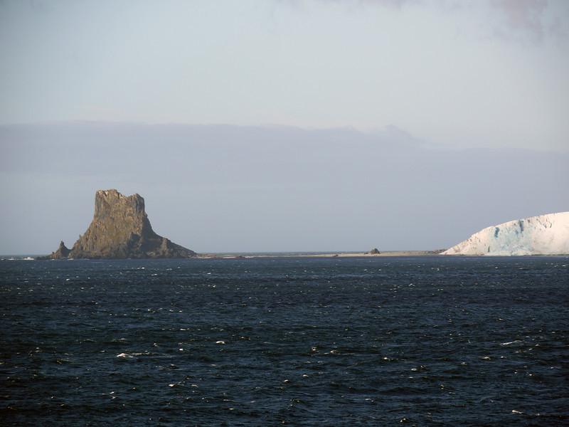 0312 - Half Moon Island - 2011-02-19 - P1050625