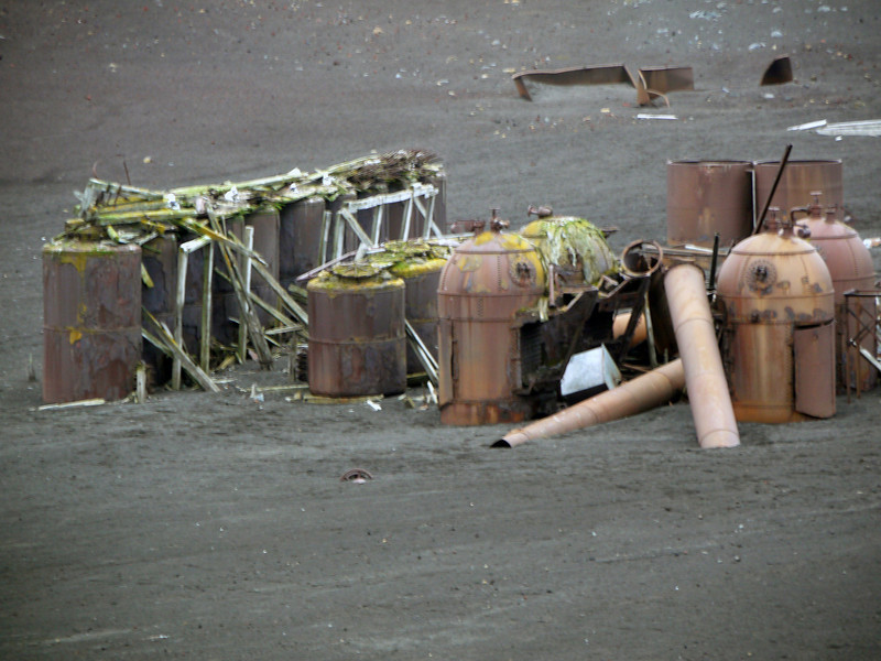 1570 - Deception Island - 2011-02-23 - P1070258